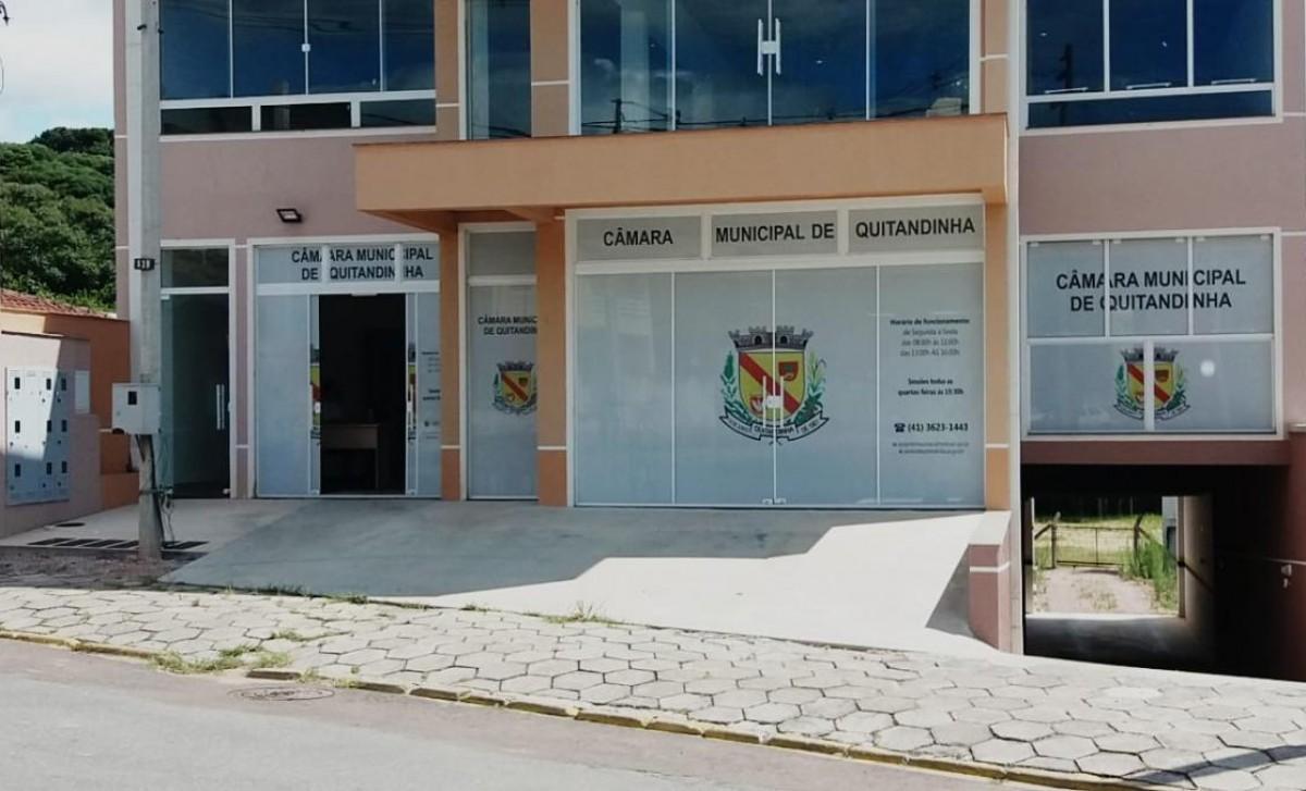 Câmara de Quitandinha atende em novo prédio