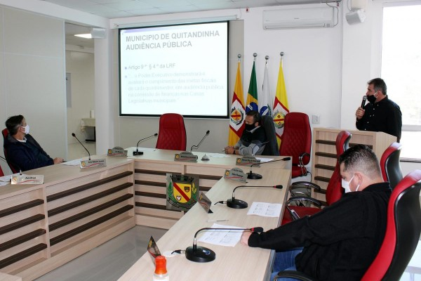 [Prefeitura realiza Audiências Públicas na  Câmara de Vereadores de Quitandinha]
