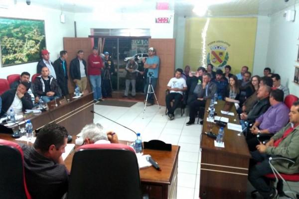 Na Câmara Municipal as sessões ordinárias tem acontecido com plenário lotado