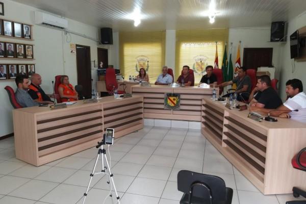 VEREADORES APROVAM PROJETO PARA AJUDAR AS PESSOAS AFETADAS PELA CHUVA DE GRANIZO