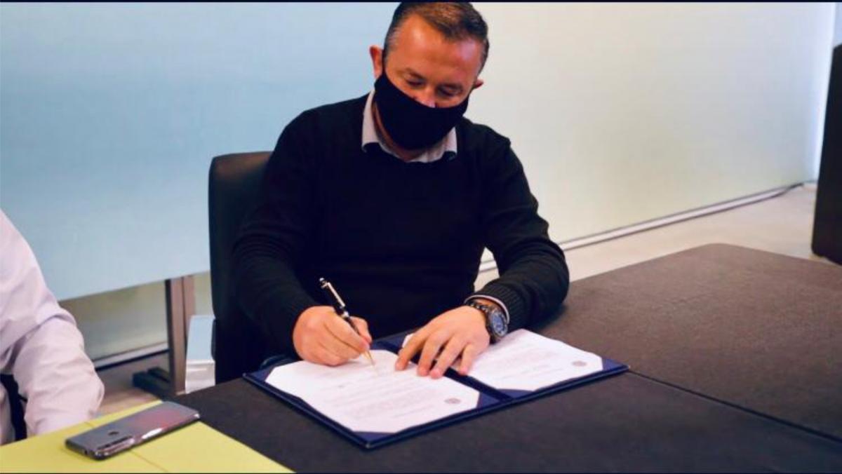 Presidente do Legislativo participa da assinatura do Armazém da Família